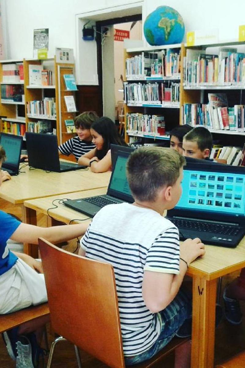 Biblioteca Municipal Los Rosales