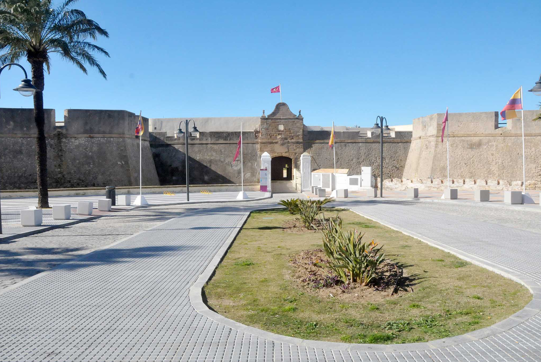 Visita al Castillo de Santa Catalina en Castillo de Santa Catalina Cádiz (Cádiz)
