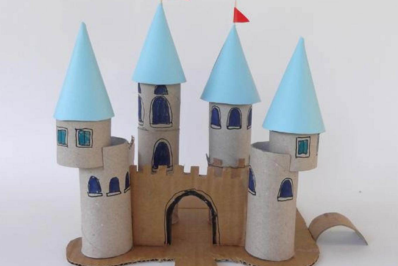 Taller de manualidades 'Castillos de cartón' en Librería Baobab Los Remedios (Sevilla)