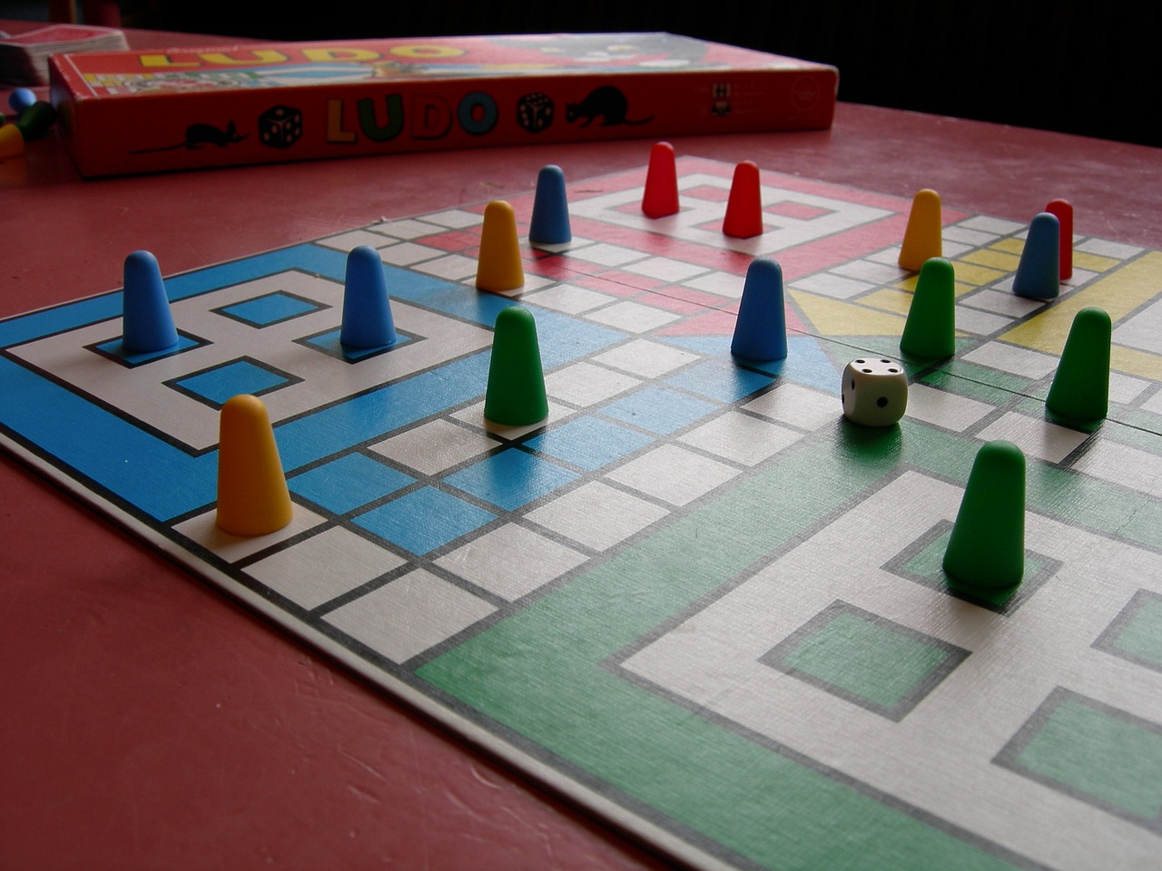 Taller 'Juegos tradicionales' en Centro Comercial El Bulevar (Ávila)