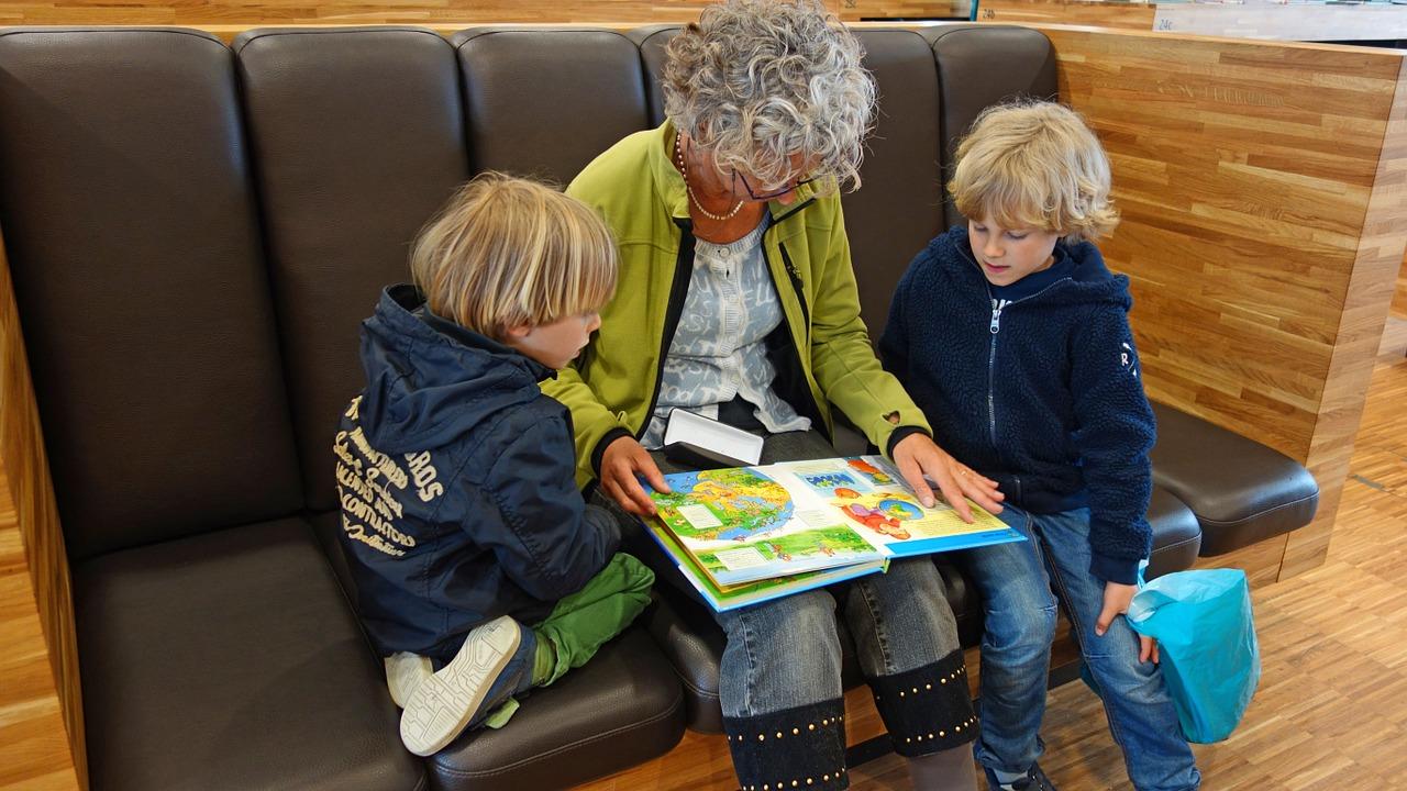 Actividad Infantil 'Sábados de cuento' en Biblioteca Pública Santa Orosia (Zaragoza)