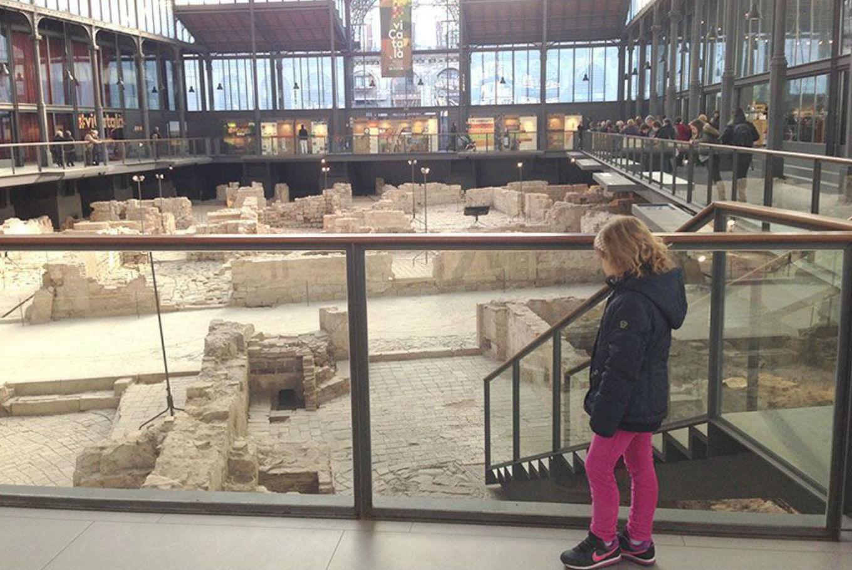 Taller familiar 'Historias y misterios en el Borne' en El Born Centre de Cultura i Memòria (Barcelona)