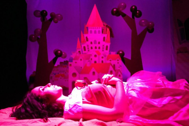 Teatro 'La bella durmiente' en Sala Carolina (Valencia)