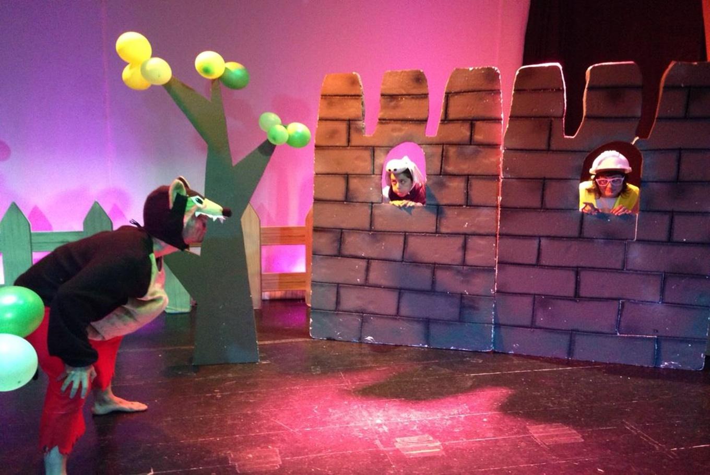Teatro 'Los tres cerditos y sus amigos' en Sala Carolina (Valencia)