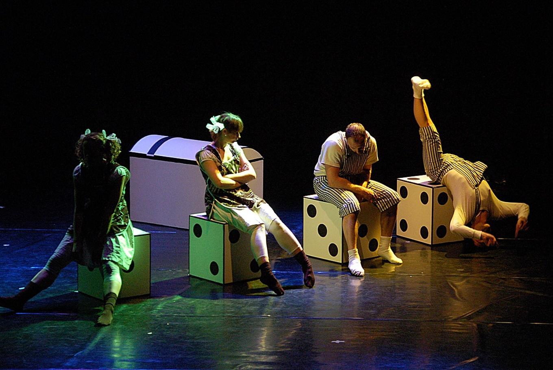 Danza familiar 'Los colores del tic tac' en Teatro de Oriente (Morón de la Frontera)