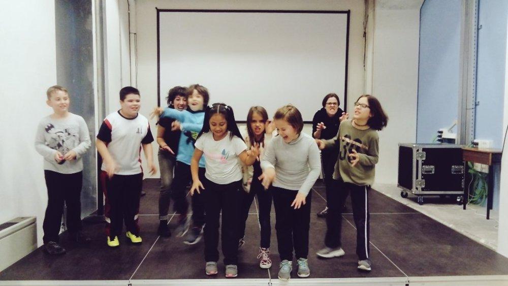 Teatro comunitario infantil en Harinera (Zaragoza)