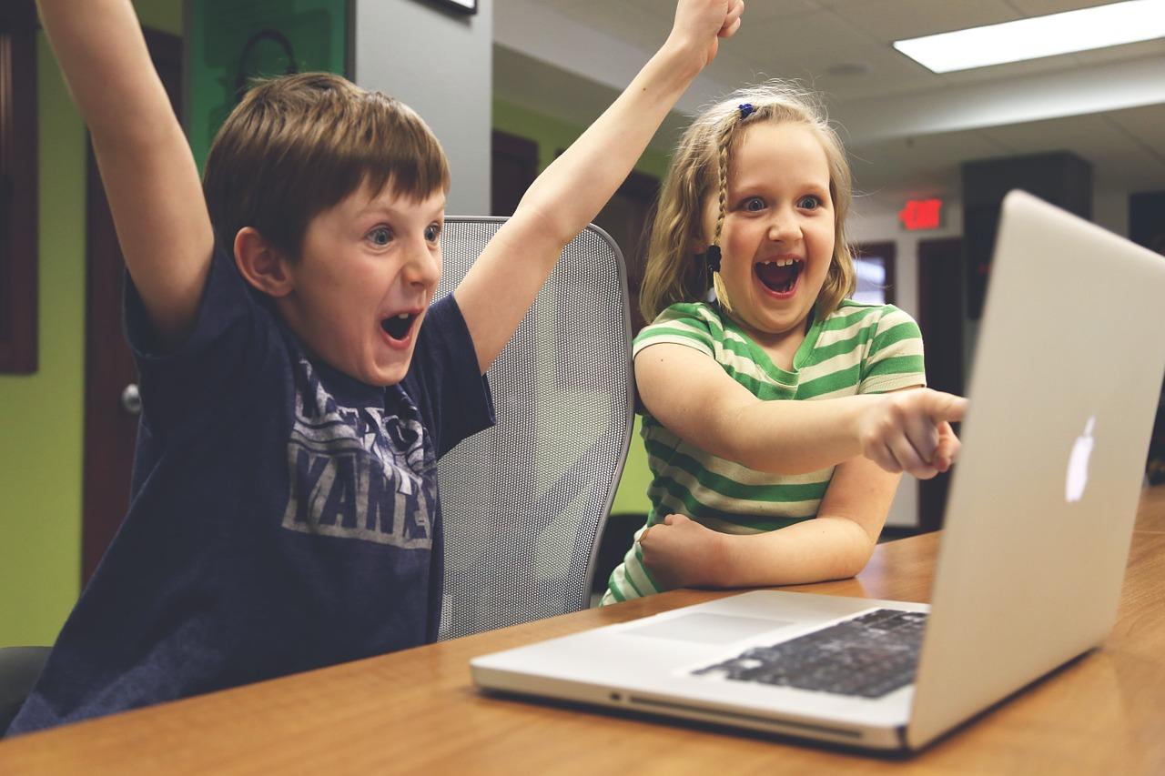 Actividad infantil 'Juegos informáticos y Wii' en Ludoteca Aprendix (Soria)