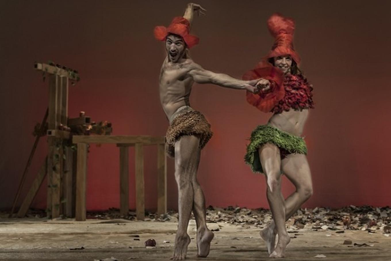 Danza 'Eva y Adán' en Casa de la Cultura José Saramago (Albacete)