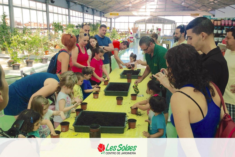 Taller solidario de jardinería infantil en Centro de Jardinería Les Solaes (Vila-real)