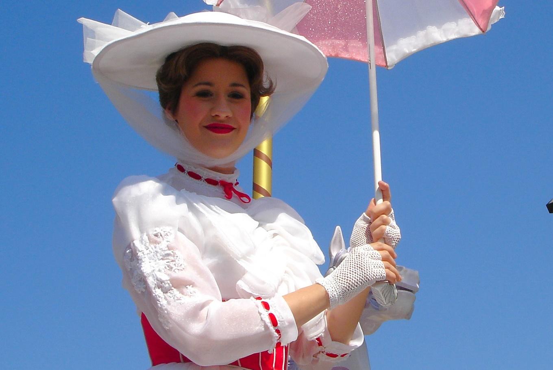 Tarde de actividades temáticas con Mary Poppins en La Serpentina Sant Andreu (Barcelona)
