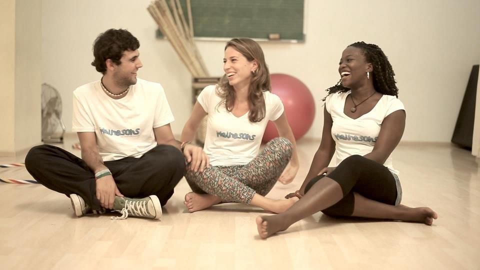 Espectáculo 'Mainasons. Canta y baila con Nia, Mel y Ton' en Teatre Poliorama (Barcelona)