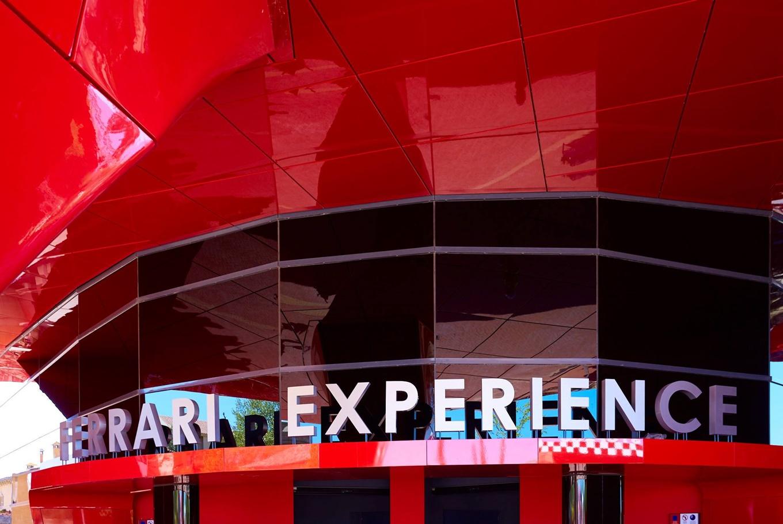 Vacaciones en Ferrari Land y Port Aventura en Port Aventura (Salou)