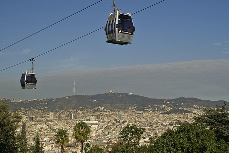 Barcelona desde el aire en el Telefèric de Montjuïc en Telefèric de Montjuïc (Barcelona)