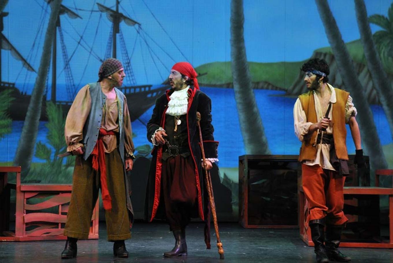 Teatro musical 'La isla del tesoro' en Teatro Sanpol (Madrid)