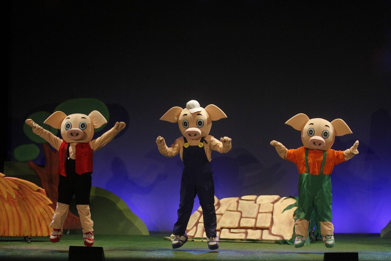 Teatro 'Os tres porquiños' en Centro Ágora (A Coruña)