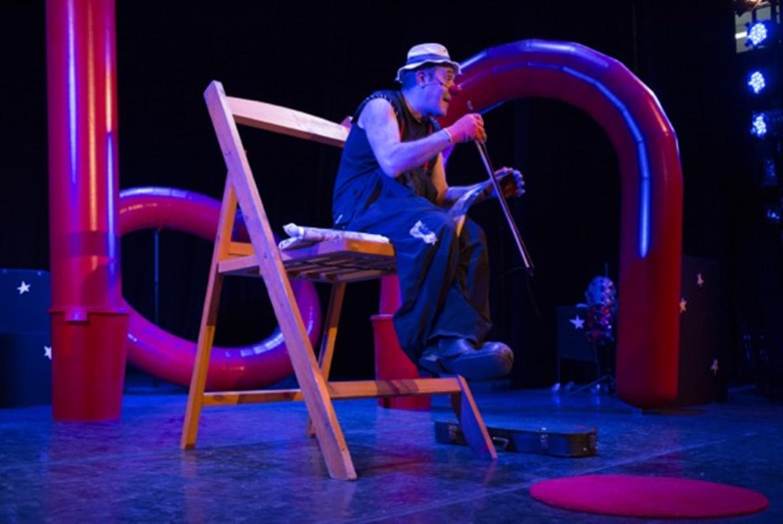 Teatro infantil y familiar 'Universario' en Serantes Kultur Aretoa (Santurtzi)