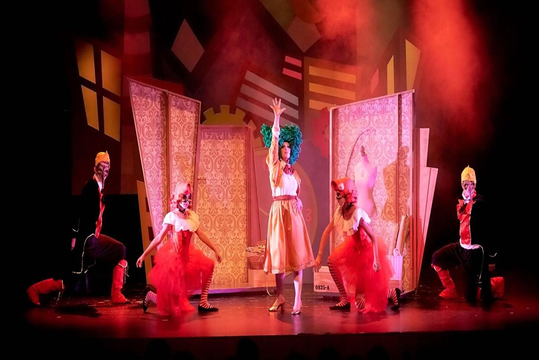 Teatro musical ' El vestit pop de l'emperador' en SAT! Sant Andreu Teatre (Barcelona)