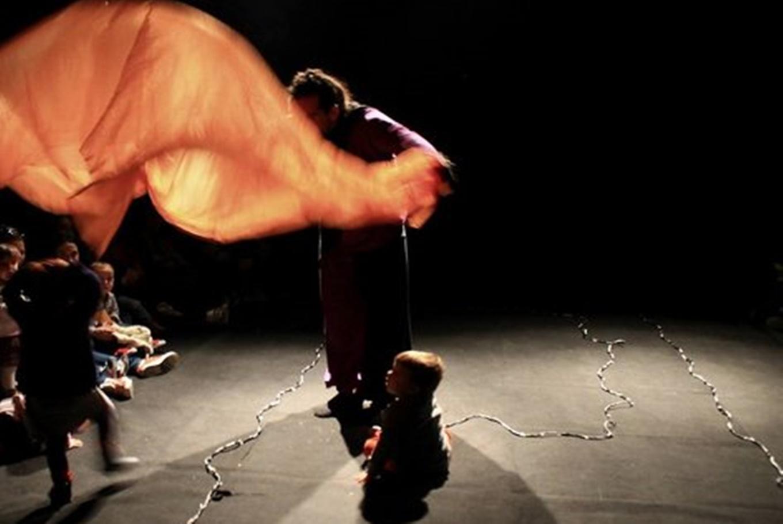 Teatro para bebés 'Ylusicalia' en Teatro de La Puerta Estrecha (Madrid)