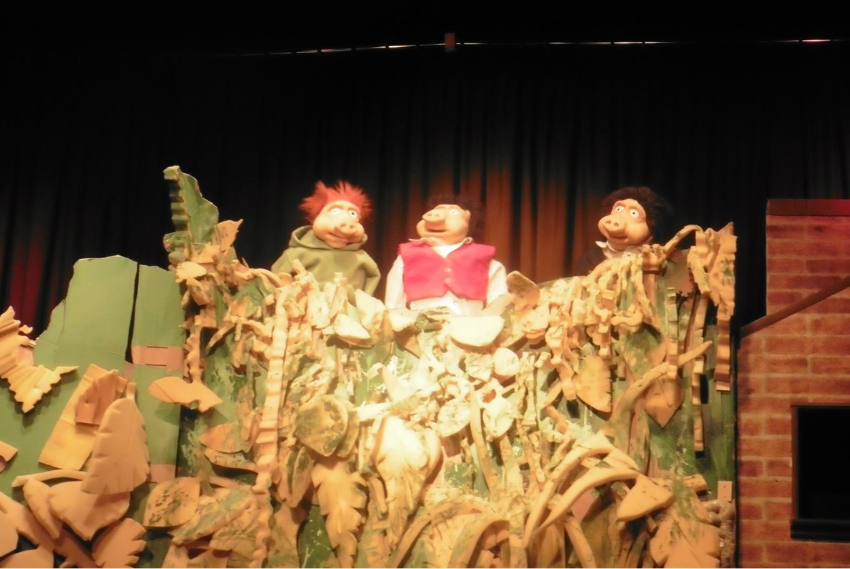 'Zacarías y el lobo' y 'Los tres cerditos tienen casa' en Sala de Teatro El Dragón Estragón (Madrid)